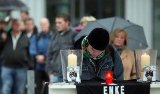Fassungslosigkeit nach Tod von Enke (Foto)