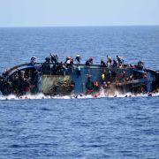 35 Tote! Schleuser werfen Flüchtlinge über Bord (Foto)