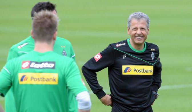 Favre bleibt Gladbach bis 2015 treu (Foto)