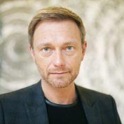 FDP-Chef Christian Lindner ist der Meinung, dass Mesut Özil die deutsche Nationalhymne mitsingen sollte. (Foto)
