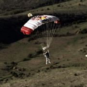 Felix Baumgartner beim Landeanflug.