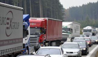 Ferien und Karneval sorgen für volle Autobahnen (Foto)