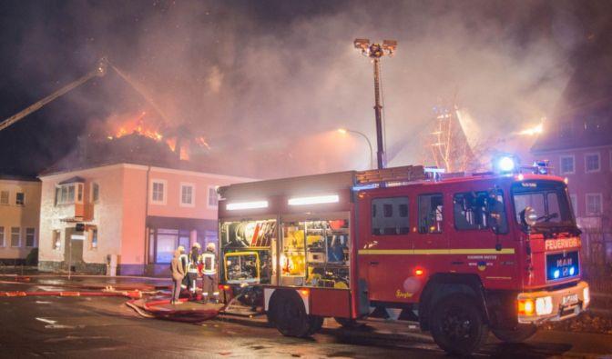 Feuer in einer Flüchtlingsunterkunft in Bautzen: Politiker fordern Konsequenzen. (Foto)
