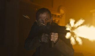 Feuer und Flamme: Daniel Craig als James Bond in Skyfall. (Foto)