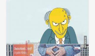 Fiesling Mr. Burns von den Simpsons steckt seine Hände für gewöhnlich ähnlich zusammen wie Merkel - die perfekte Collage. (Foto)