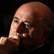Fifa-Boss Joseph Blatter steht schwer in der Kritik - mal wieder.
