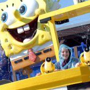 Figuren wie Spongebob Schwammkopf, Jimmy Neutron oder Dora warten im Movie Park Germany in Bottrop auf ihre jungen Fans.