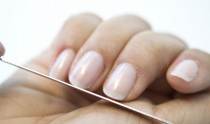 Fingernägel verraten Eisenmangel oder Schuppenflechte (Foto)