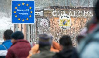 Flüchtlinge an der deutsch-österreichischen Grenze. (Foto)