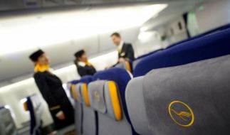 Flugbegleiter der Lufthansa wollen ab Freitag streiken. (Foto)