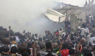 Flugzeugunglück in Nigeria - Mindestens 150 Tote (Foto)