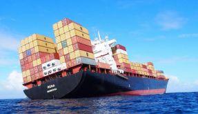 Frachter vor Neuseeland auf Grund gelaufen (Foto)