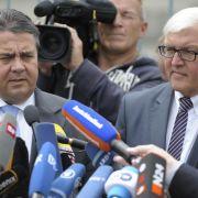 Frank-Walter Steinmeier (rechts) und Sigmar Gabriel verkündeten den Durchbruch bei Verhandlungen über den Fiskalpakt.