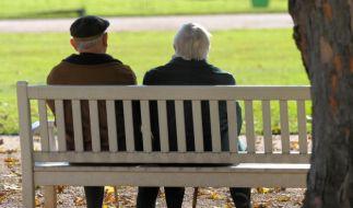 Frauen haben durchschnittlich eine höhere Lebenserwartung als Männer. Das zeigt die Todesursachenstatistik des Statistischen Bundesamtes. (Foto)
