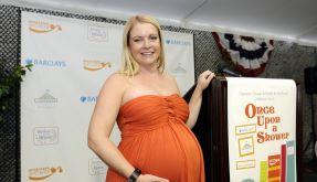 Freut sich über ihren Babybauch: Melissa Joan Hart. (Foto)