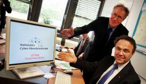 Friedrich eröffnet Nationales Cyber-Abwehrzentrum (Foto)