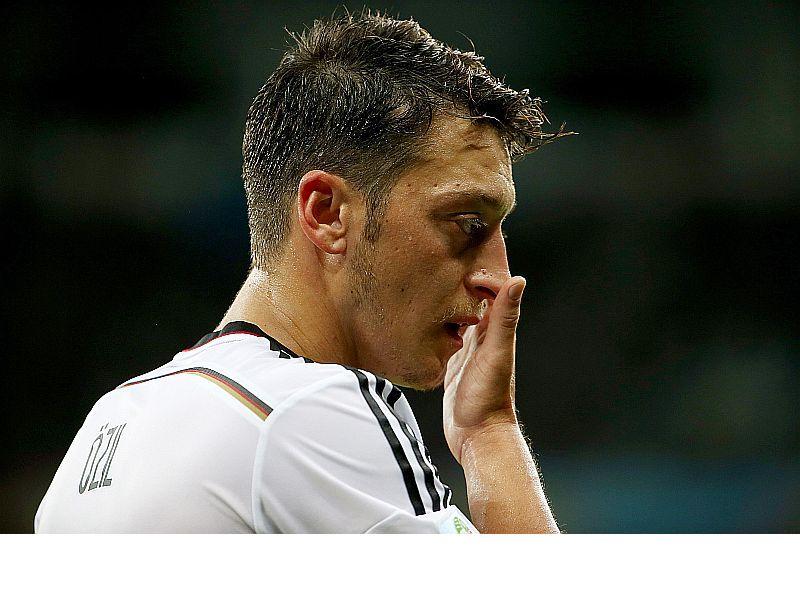 Christian Lell und Mesut Özil