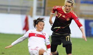 Fußball-Frauen mit 5:0 in der Türkei an die Spitze (Foto)