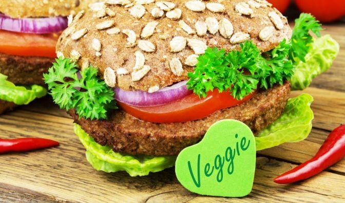 Gar nicht mal so gesund: Vegetarische Burger-Alternativen enthalten oft ungesunde Zusatzstoffe. (Foto)