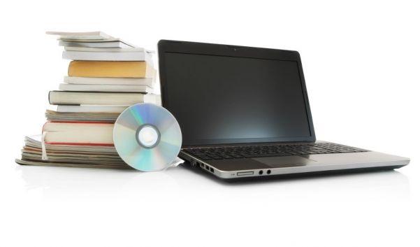 Gebrauchte Bücher und DVDs lassen sich im Internet zu Geld machen. (Foto)