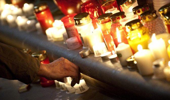 Gedenken an die Opfer des Flugzeugabsturzes (Foto)