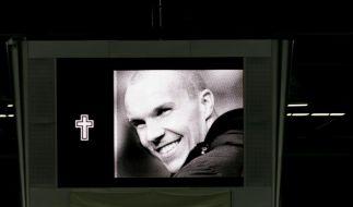 Gedenken an Robert Enke vor Länderspiel (Foto)