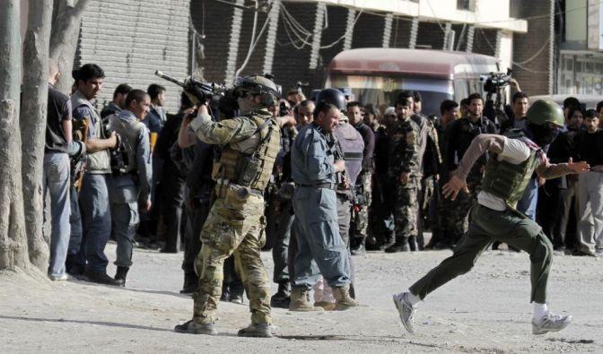 Gefechte in Kabuls Diplomatenviertel (Foto)