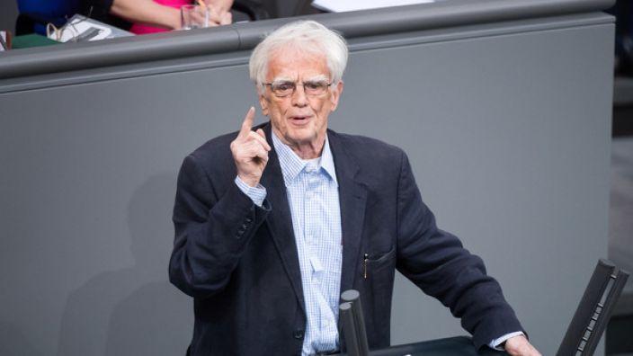 Geheimdienstexperte Hans-Christian Ströbele schockt mit neuer Theorie im Fall Anis Amri. (Foto)
