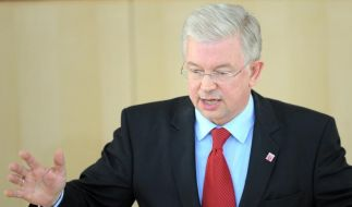 Geht Roland Koch nach Brüssel? Berlin dementiert (Foto)