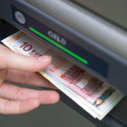 So umgehen Sie Gebühren beim Geldabheben (Foto)