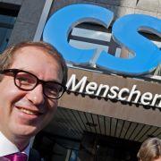 Generalsekretär Alexander Dobrindt gerät mit seiner Haltung in der Euro-Krise auch in der CSU mehr und mehr ins Abseits.