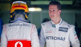 Generationenwechsel: Lewis Hamilton (links) übernimmt Michael Schumachers Cockpit. (Foto)