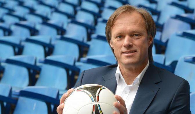 Gerhard Delling wird wegen eines Trauerfalls nicht mehr bei der EM 2012 moderieren. (Foto)