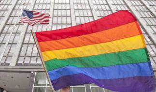 Gericht blockiert Homo-Trauungen in Kalifornien (Foto)