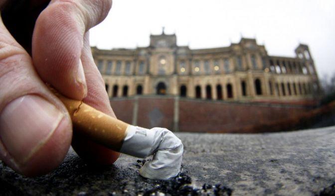 Gericht: Rauchverbot (Foto)