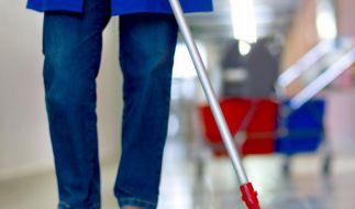 Geringverdiener arbeiten in Deutschland oft 50 Wochenstunden. (Foto)