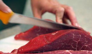 Gesättigte Fettsäuren kommen besonders in Fleisch, Wurst, Milch und Butter vor. (Foto)