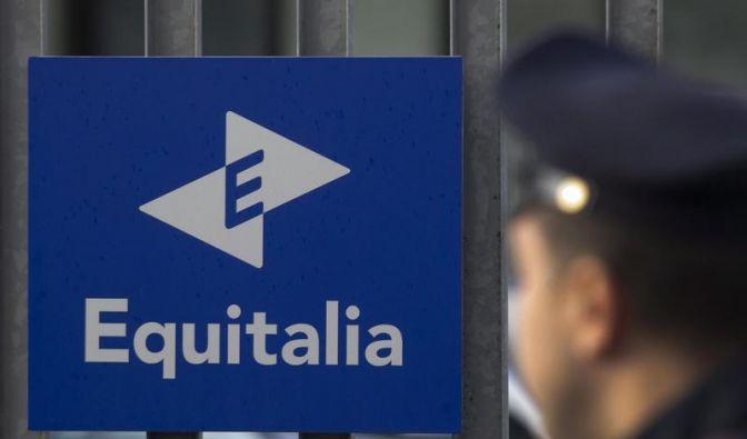Gewalt gegen Steuereinzugsgesellschaft in Italien (Foto)