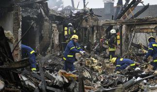 Gewaltige Explosion zerstört Mehrfamilienhaus (Foto)