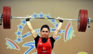 Gewichtheber-EM: 2. Titel für Gastgeber Türkei (Foto)