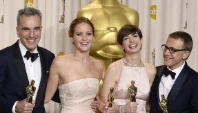 Gewinnerlächeln: Daniel Day-Lewis, Jennifer Lawrence, Anne Hathaway und Christoph Waltz in Hollywood. (Foto)