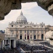 Neue Enthüllungsbücher setzen Vatikan unter Druck (Foto)
