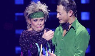 Gitte Haenning bricht sich bei Let's Dance eine Rippe. (Foto)