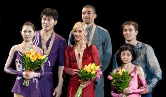 Gold für Savchenko und Szolkowy (M), Silber für Zhang Dan und Zhang Hao, Bronze für Yuko Kavaguti un (Foto)