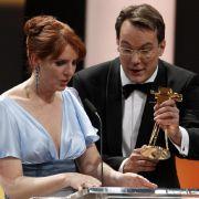 Emotionaler Auftritt: Monica Lierhaus trat bei der Goldenen Kamera zum ersten Mal wieder vor die Kameas.