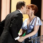 Heiratsantrag inklusive: Monica Lierhaus hielt auf der Bühne um die Hand ihres Lebensgefährten Rolf Hellgard an.