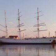 Die schönste Dame im Stralsunder Hafen: die Gorch Fock I.