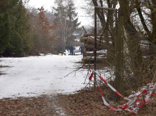 arnstein bei w rzburg 6 tote teenager nach party in gartenlaube entdeckt kripo ermittelt. Black Bedroom Furniture Sets. Home Design Ideas