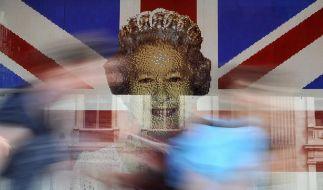 Großbritannien feiert die Queen wie selten zuvor (Foto)