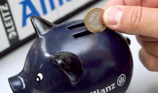 Große Lebensversicherer zahlen 2012 weniger (Foto)